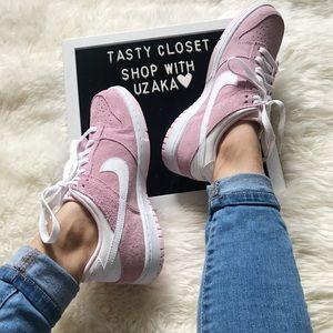 Nike dunk low sneakers